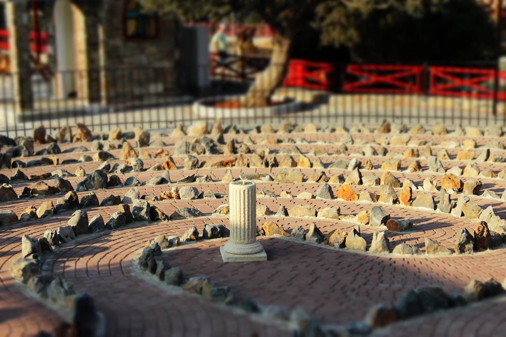 cretan_labyrinth_01.jpg